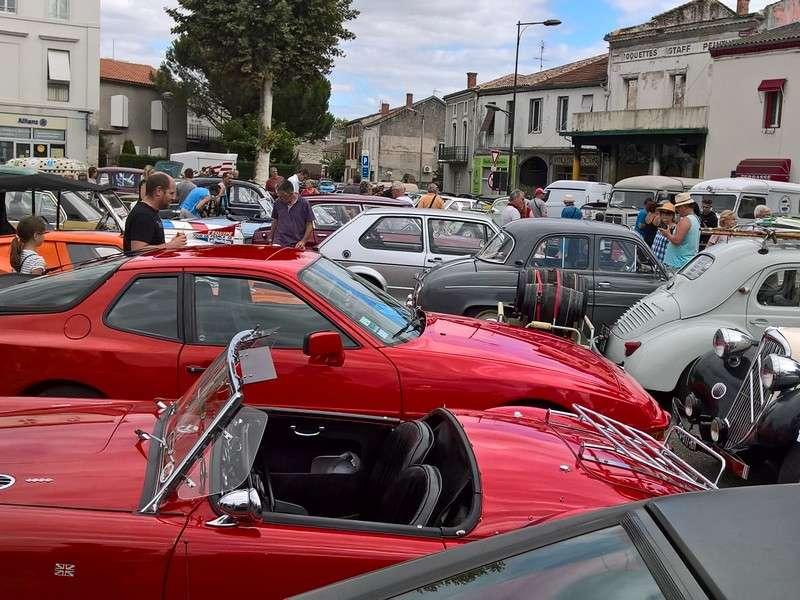 image de Grand rassemblement national de véhicules anciens