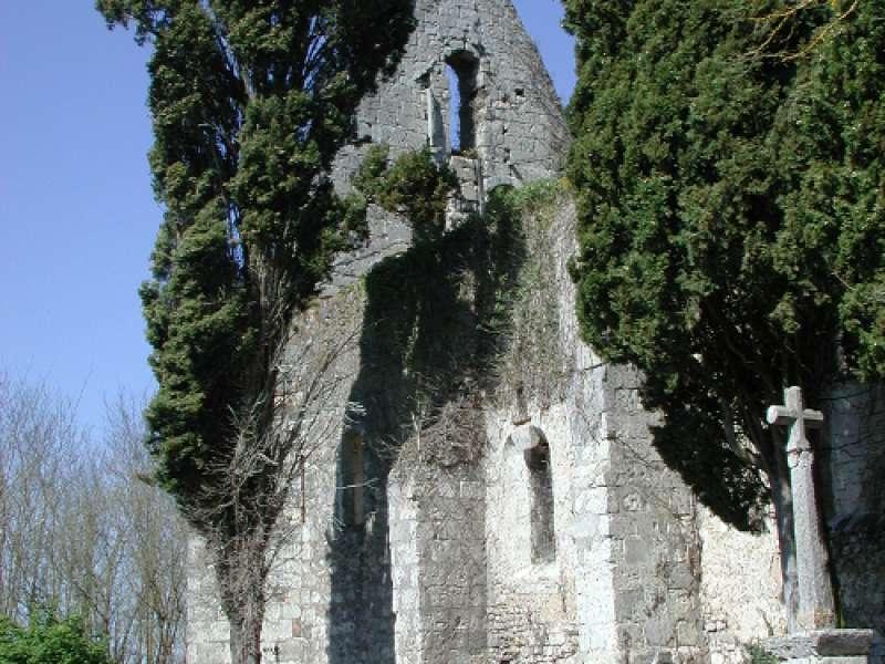 image de Labastide-Castel-Amouroux vers l'église de St-Gény